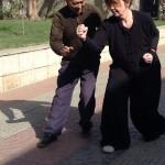 Carole en travail avec le professeur Zhong, premier disciple de Maître Ma